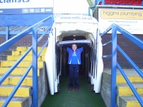 I hold up my Chesterfield scraf in the tunnel