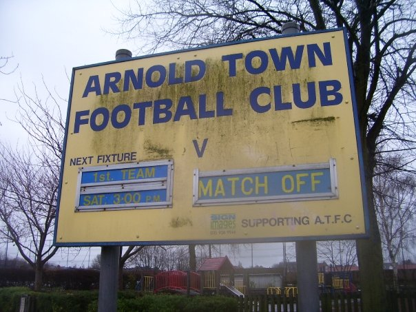 Arnold Town sign