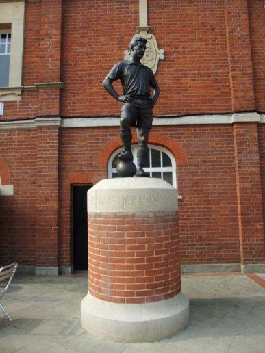 The statue of Fulham legend Johnny Haynes