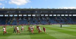 The Bristol City players warm up