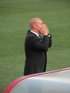 Sean Dyche shouts instructions to his players