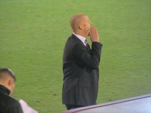 Sean Dyche continues to shout to his players
