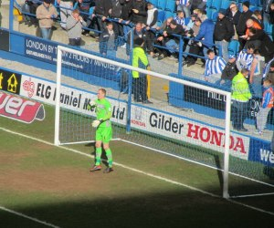 Chris Kirkland prepares for kick off