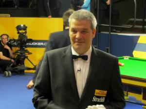 Referee Jan Verhaas