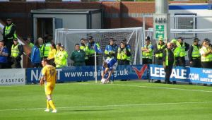 Jay O'Shea takes a corner