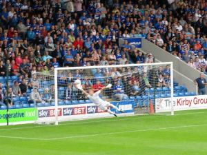 Gary Roberts unstoppable effort puts Chesterfield ahead