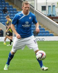 Ritchie Humphreys warms up
