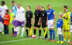 The teams line up