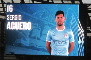 Aguero pulls a goal back for City