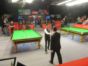 Ding Junhui makes his entrance