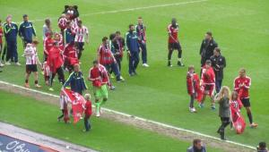 The players thank their supporters