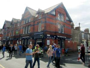 A pub filled with Blues supporters