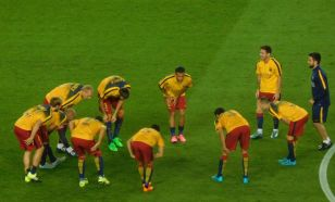 The Barcelona players warm up