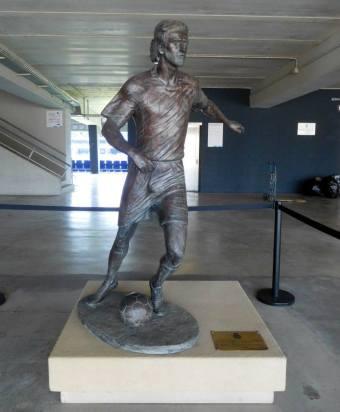 Dani Jarque statue